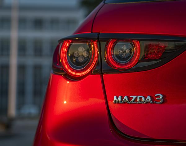 Mazda-3-Exterieur-Heck