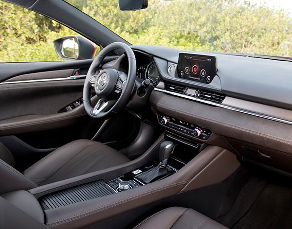 Mazda-6-Interieur-Cockpit