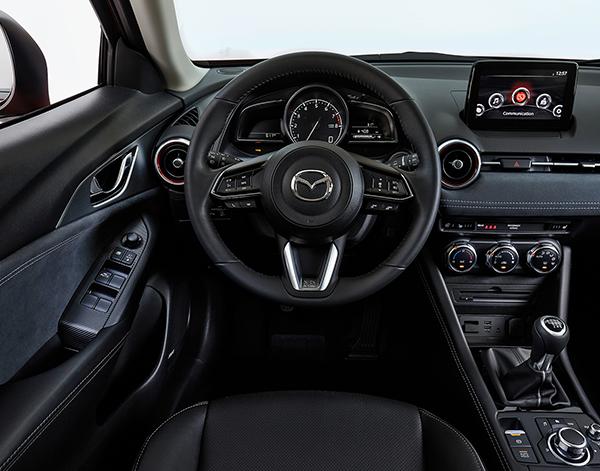 Mazda-CX-3-Interieur-Cockpit