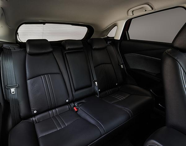 Mazda-CX-3-Interieur-Ruecksitze