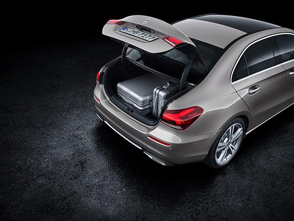 A-Klasse Limousine-Exterieur-Kofferraum-Heck-Mercedes-Benz-Laderaum