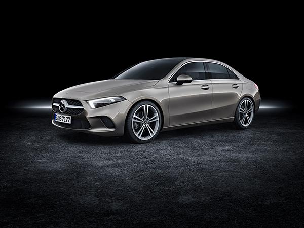 A-Klasse Limousine-Exterieur-Seitenansicht-Mercedes-Benz