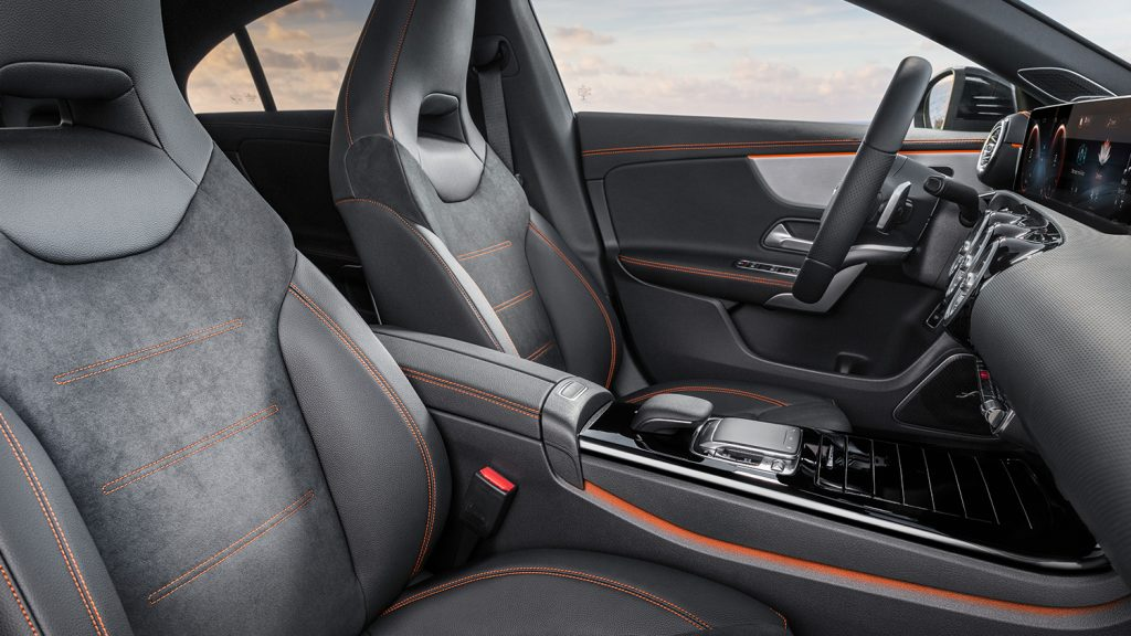 CLA-Coupe-Interieur-Innenraum-Sitze-Tochpad