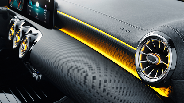 CLA-Shooting-Brake-Interieur-Zierleisten-Mercedes-Benz-Ambiente-Ambientebeleuchtung
