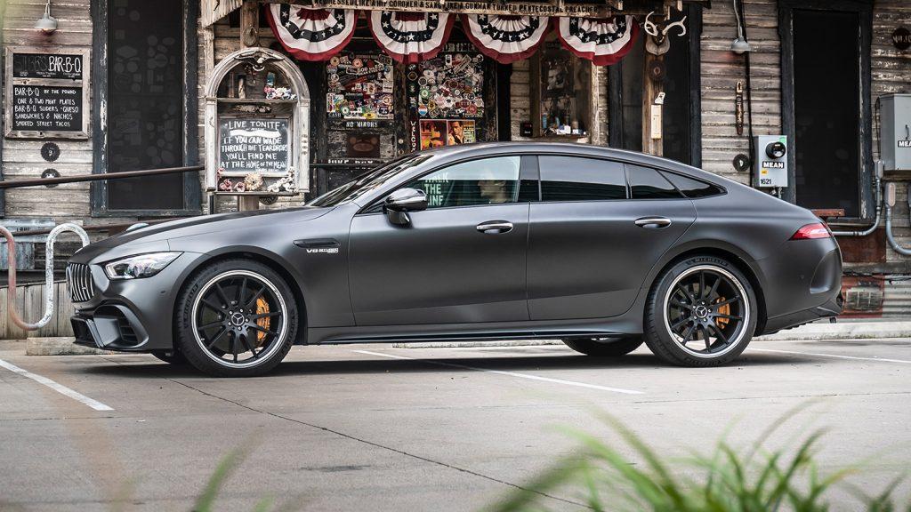 AMG-GT-Coupe-Exterieur-Seitenansicht-fern-Felgen