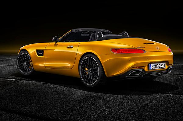 AMG-GT-Roadster-Exterieur-Heckansicht-Rueckleuchten-Mercedes-Benz-offen