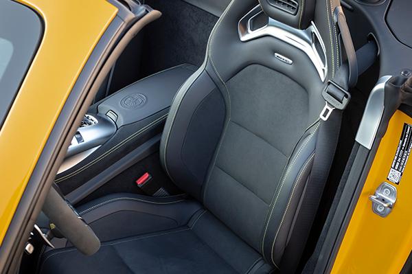AMG-GT-Roadster-Interieur-Sitze-Sportsitze-Mercedes-Benz
