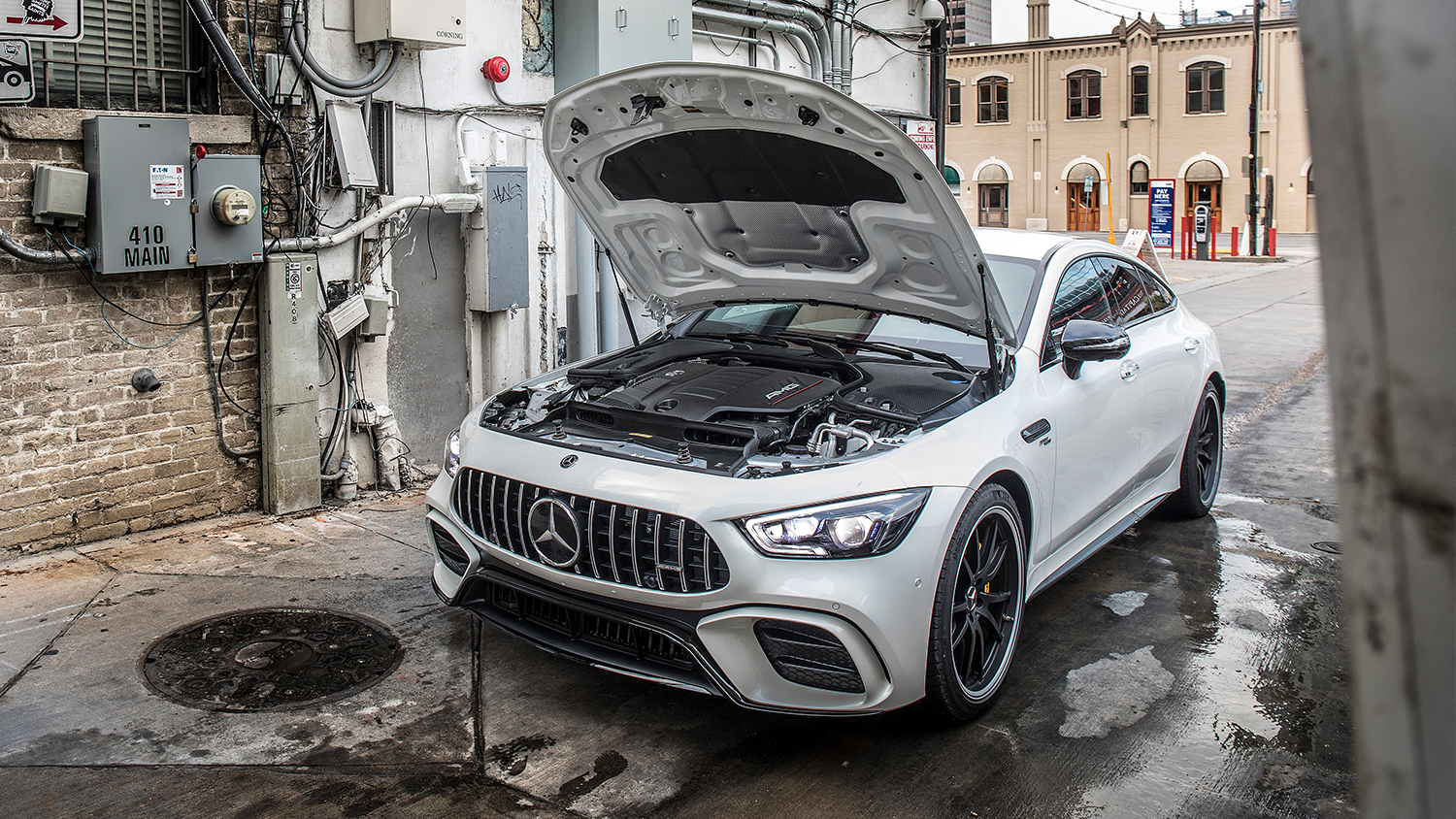 AMG-GT-Coupe-Exterieur-Motor
