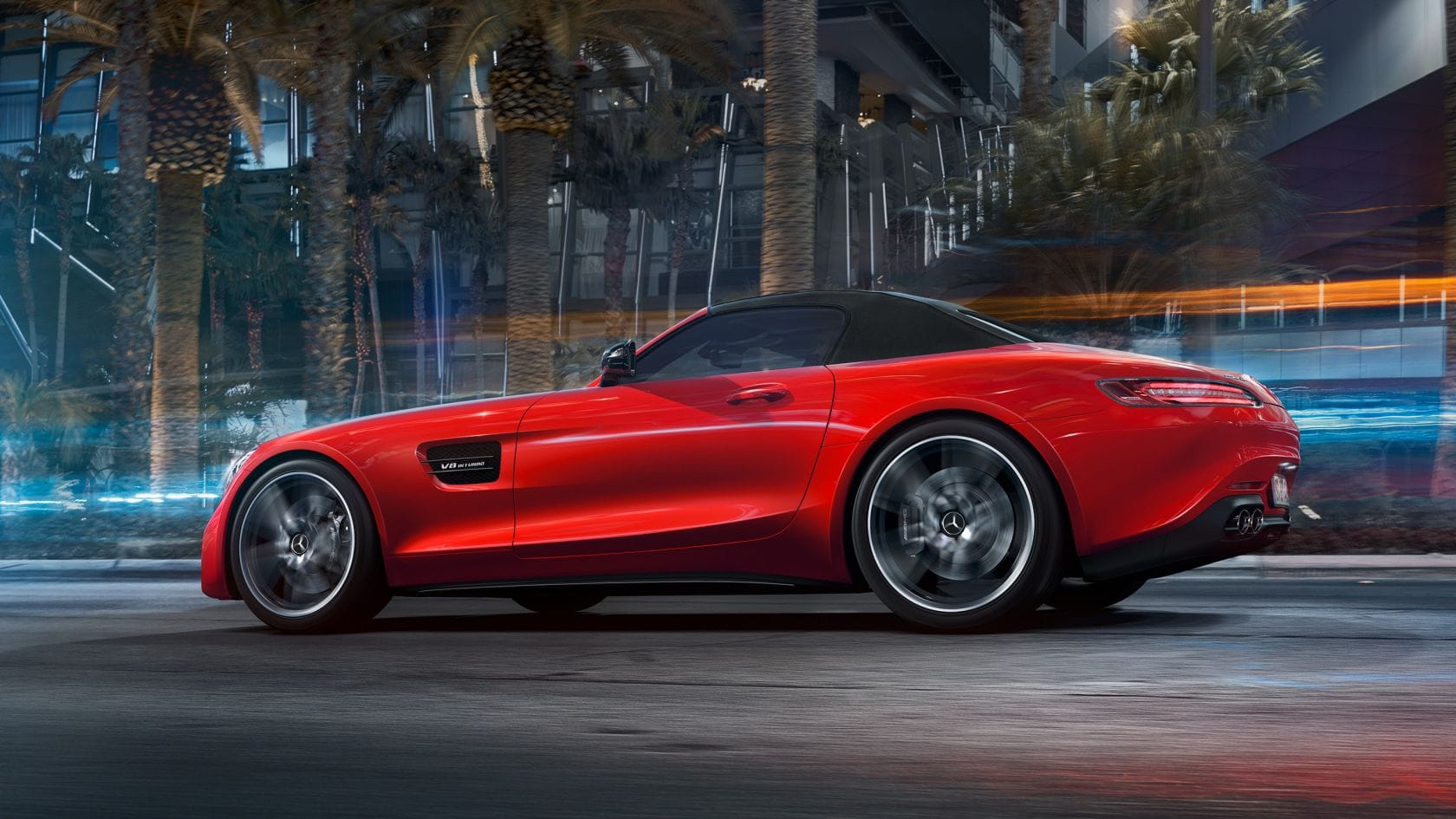 AMG-GT-Roadster-Seitenansicht-dynamisch-rot-geschlossen-Stoffverdeck