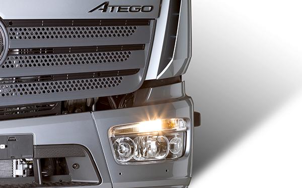 Atego-Bau-Exterieur-Marke-Mercedes-Benz-Scheinwerfer-Typenbezeichnung