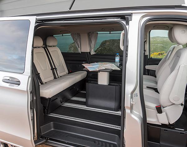 Marco-Polo-Activity-Interieur-Innen-Fahrgastraum-Vordersitze-Tisch-Mercedes-Benz