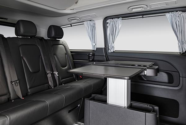 Marco-Polo-Horizon-Interieur-Tisch-Mercedes-Benz-Fahrgastraum