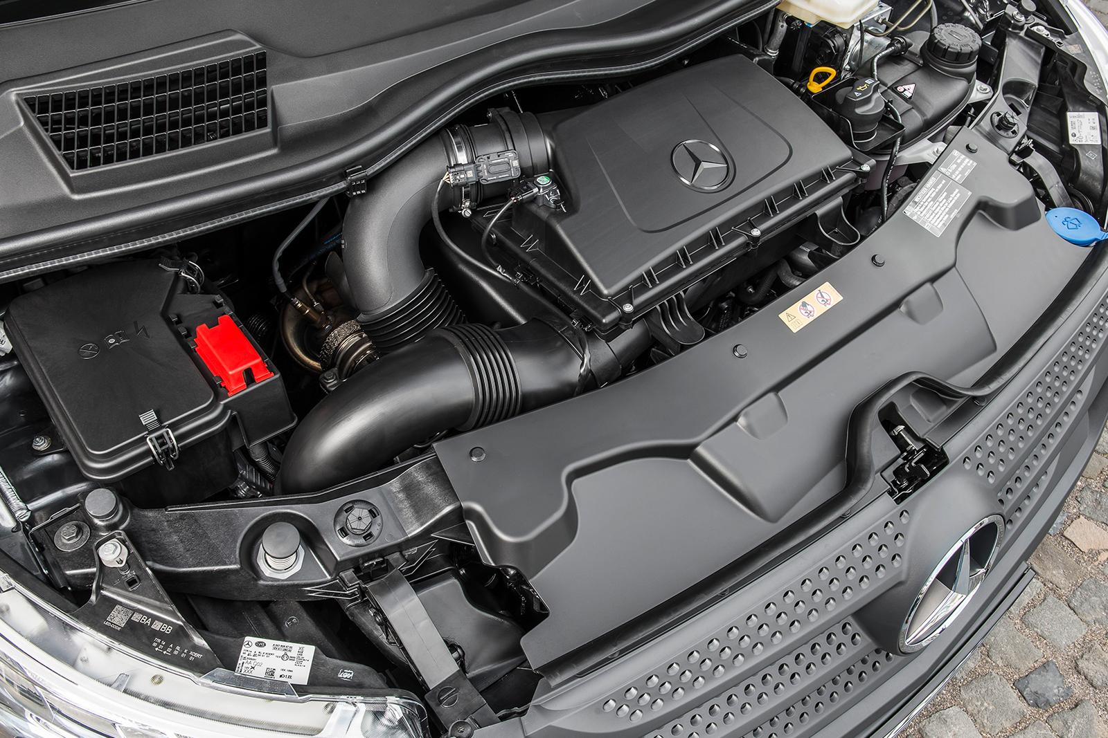 Mercedes-Bnz-Vito-Mixto-Motor-Motorraum-Antrieb