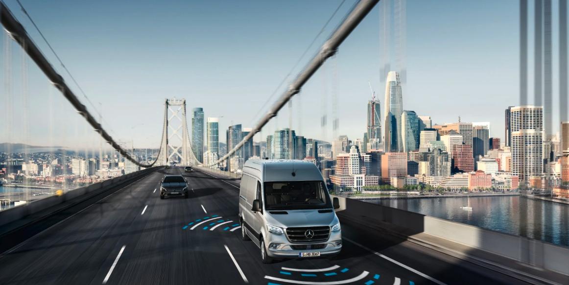Mercedes-Benz-Sprinter-Kastenwagen-Assistenzsysteme-Transporter