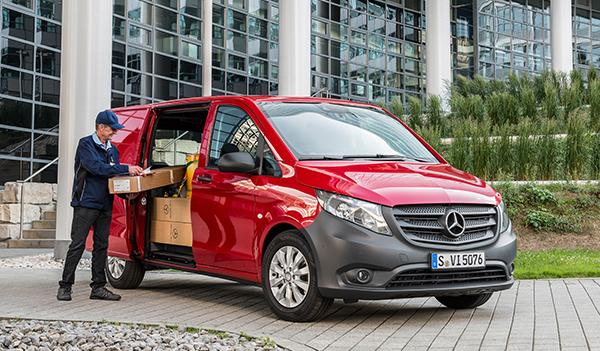 Vito-Kastenwagen-Exterieur-Seitenansicht-Mercedes-Benz-Stern-Kühlergrill-Scheinwerfer-Ladefläche-Räder