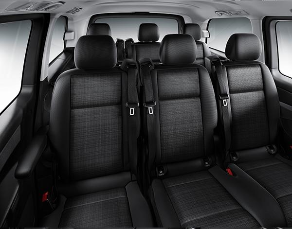 Vito-Tourer-Interieur-Innenraum-Fahrgastraum-Mercedes-Benz