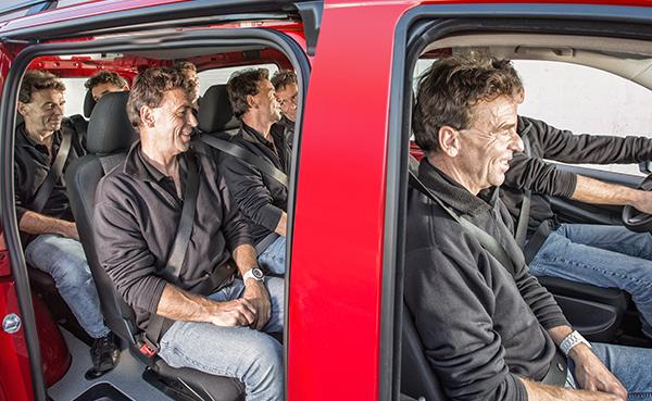Vito-Tourer-Interieur-Sitzflaeche-Fahrgastraum-Mercedes-Benz