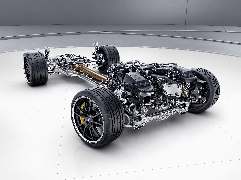 Mercedes-Benz-AMG-GTR-Antriebsstrang-Service